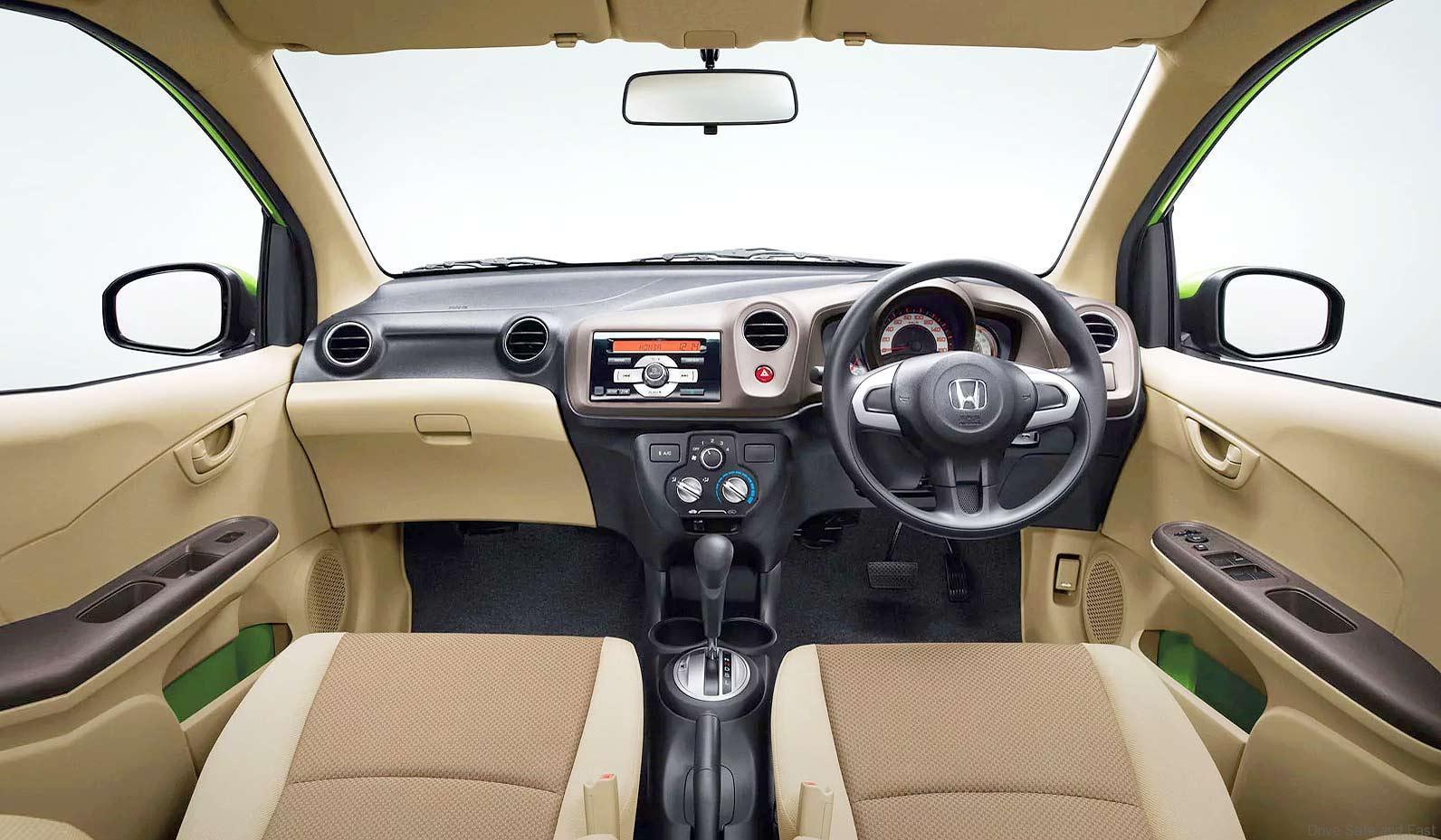 Nội thất Honda Brio 2019