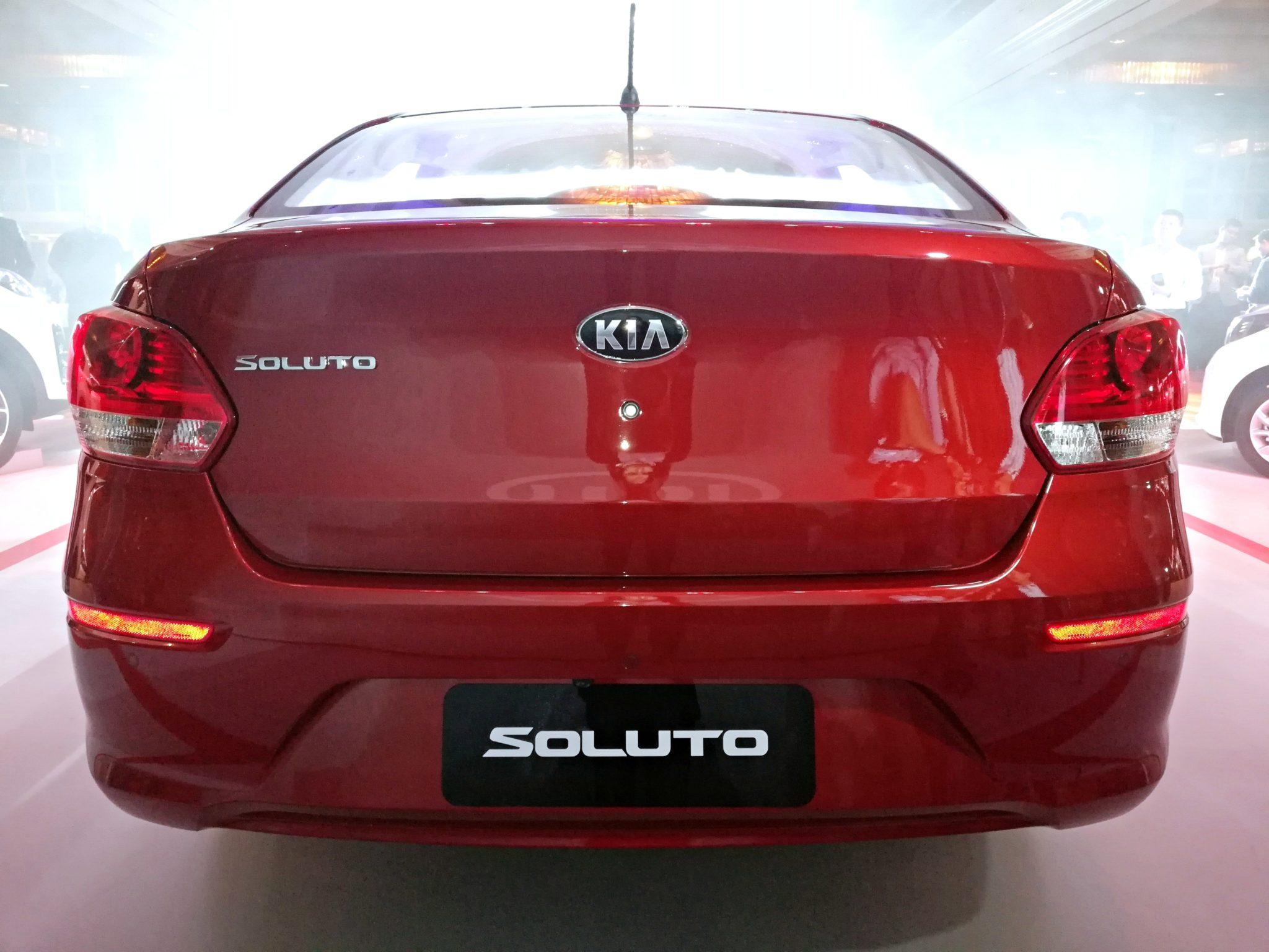 đuôi xe Soluto
