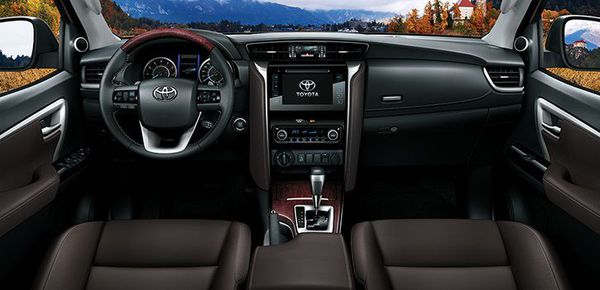 Nội thất Toyota Fortuner 2019