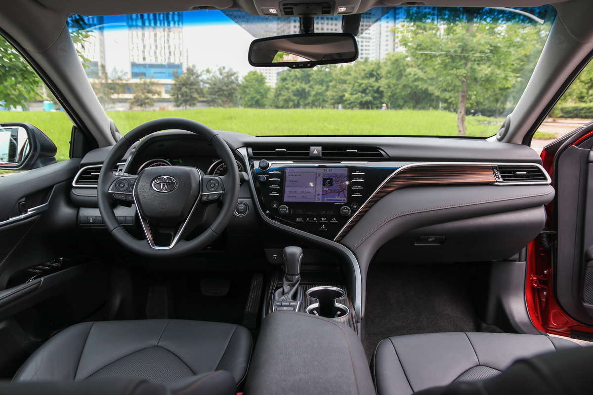 Nội thất Toyota Camry 2019