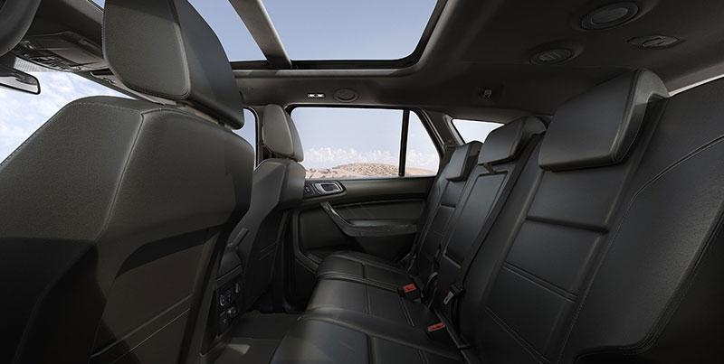 So sánh giá bán của Ford Everest AT với Toyota Fortuner AT về trang bị an toàn