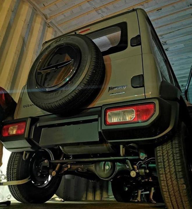 Cận cảnh Suzuki Jimny vừa cập bến Việt Nam