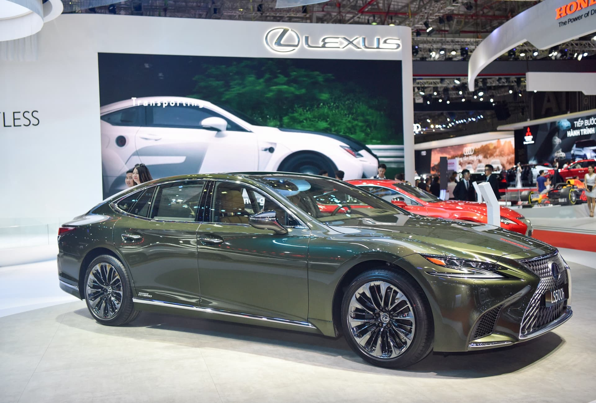 Lexus Việt Nam giới thiệu LS 500h SE