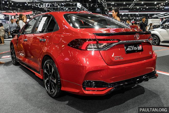 Cận cảnh Toyota Corolla Altis GR Sport