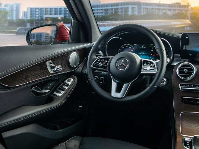 Mercedes GLC 200 và GLC 200 4matic chính thức ra mắt tại Việt Nam