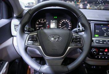 Vô lăng Hyundai Accent