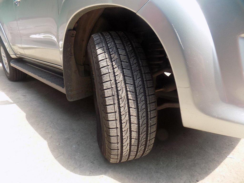 Lốp xe ô tô nào êm ái giảm độ ồn?