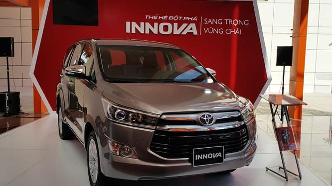 Toyota Innova giảm giá gần 140 triệu đồng tại một số đại lý