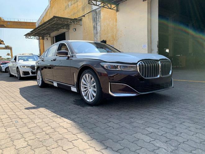 Cận cảnh BMW 7-Series 2020 vừa về Việt Nam