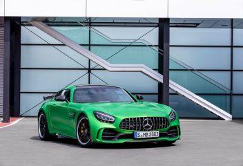 Cận cảnh Mercedes-AMG GT R vừa ra mắt tại Việt Nam