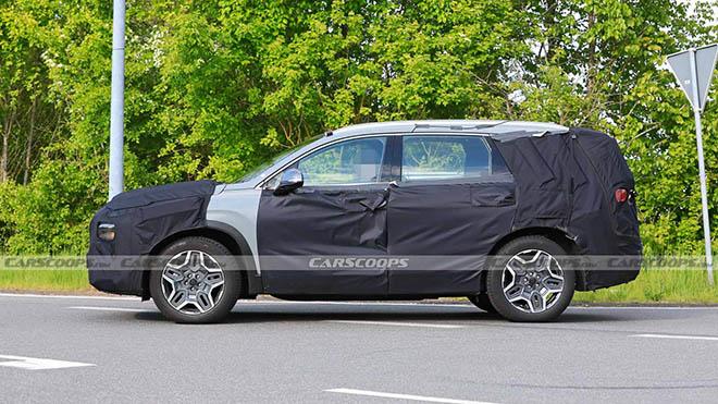 Lộ hình ảnh Hyundai SantaFe phiên bản nâng cấp chạy thử tại châu Âu