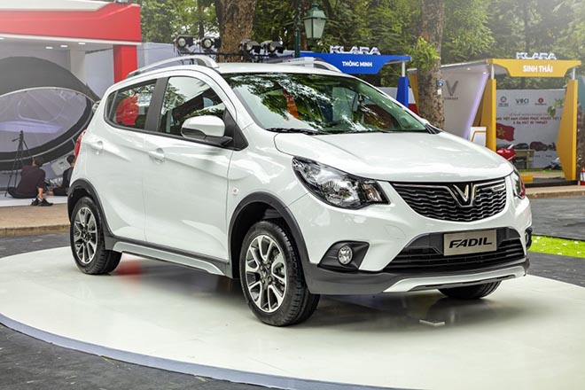 VinFast giảm giá gần 300 triệu đồng cho mẫu xe Lux trong tháng 5